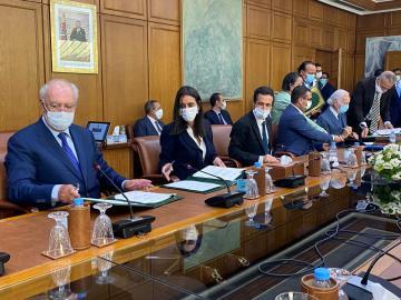 """التوقيع على """"عقد برنامج"""" للعبور بقطاع السياحة إلى برّ الأمان بالمغرب"""