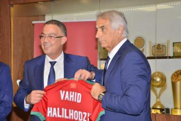 خليلوزيتش يرفع شعار الصرامة: هذه الأمور ممنوعة في معسكرات الفريق الوطني